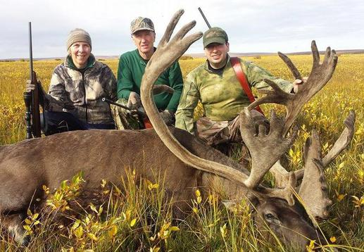 three on one caribou hunt